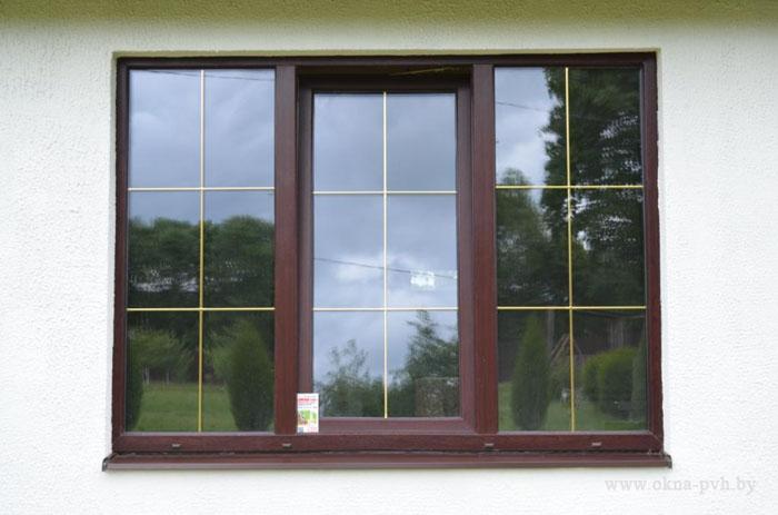 Окна в лестничных клетках дома